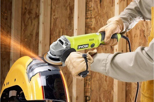 Using High Speed Angle Grinder